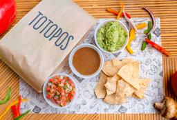 Totopos con Salsas
