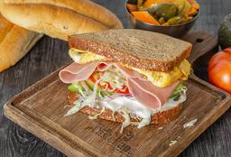 Sándwich de Huevo con Jamón