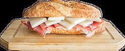 Panini Catalana con Brie o Gruyer