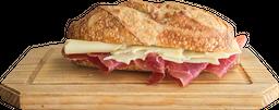 Panini Mega Catalana con Brie o Gruyer