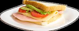 Sándwich Clásico