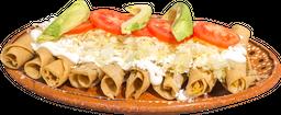 Tacos Dorados de Pollo