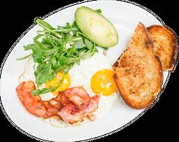 Huevos con Tocino y Aguacate