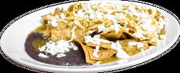 Chilaquiles con Pollo con Frijoles Refritos