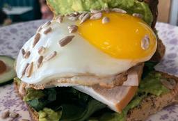 Egg Yolk Sándwich