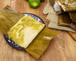 Tamal de Salsa Verde con Pollo