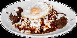 Chilaquiles Salsa Pasilla con Huevo
