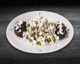 Chilaquiles con Salsa Verde Asada al Habanero