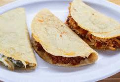 Quesadilla de Tortilla de Maíz con Queso Abobera de Guadalajara