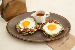 Tostada de Aguacate y Huevo