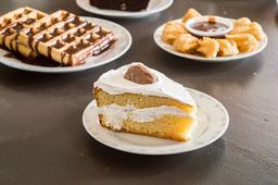 rebanada de pastel conejito