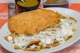 Chilaquiles con Pechuga Empanizada