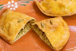 Empanada de Mole Verde