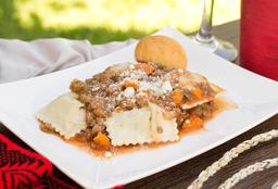 Ravioles Rellenos con Salsa Bolognesa