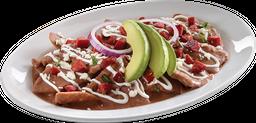 Chilaquiles en Salsa de Frijol con Chorizo