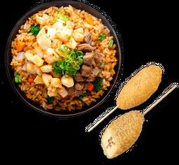 Kushiague de Platano con Queso + Yakimeshi Mixto