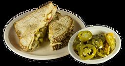 Sándwich de Pechuga Asada o Empanizada