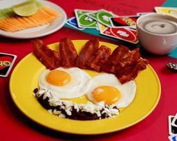 Huevos al Gusto + Fruta o Jugo + Café