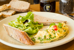 Omelette de Espárragos y Queso de Cabra