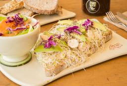Tartines Vegano de Hummus y Aguacate