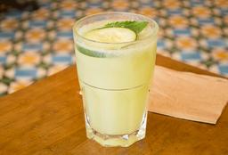 Agua de Pepino-Limón