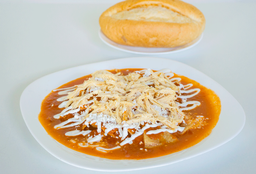 Chilaquiles con Pollo o Bistec
