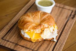 Croissant Huevo, Pavo y Cheddar