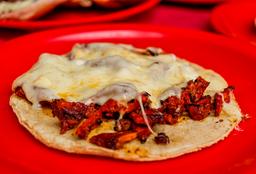Ceci Enchilada con Queso