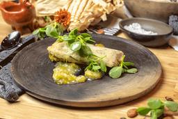 Tamal de Pollo y Miltomate