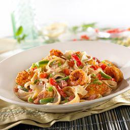 Pasta Cajun Shrimp & Chicken con refresco