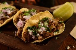 Tacos de Arrachera y Tuétano