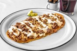 Huarache de Bistec con Queso Panela