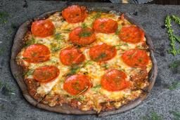 Pizza de Pepperoni con Hojas de Arúgula