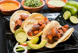 Orden de Tres Tacos longaniza