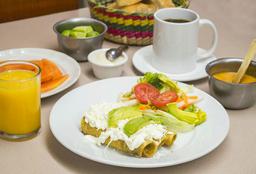Tacos Dorados de Pollo Ahogados en Salsa Verde+Arroz+Crema+Agua