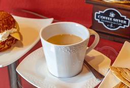 Café Americano en Leche Mediano