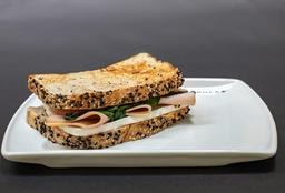 Sándwich de Pavo y Panela