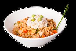 Yakimeshi de Verduras con Salsa Tampico