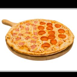 Pizza Mitad Pepperoni y Mitad Hawaiana