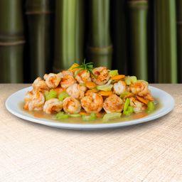 Camarones en Salsa con Verduras