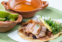 10x5 Tacos de pastor + bebida GRATIS