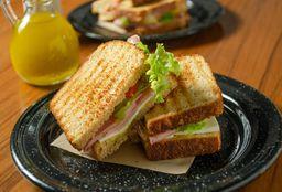 Sándwich de Panela y Pavo
