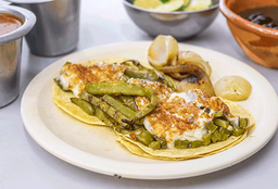 Tacos Nopales con Queso
