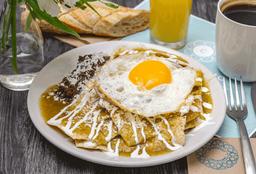 Chilaquiles Tradicionales con Huevo
