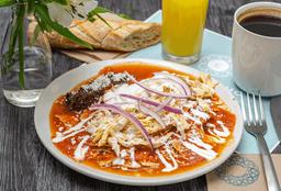 Chilaquiles Tradicionales con Pollo