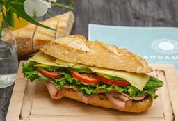 Sandwich de Jamón de Pavo con Queso