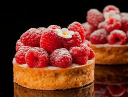 Tarta de Frambuesas con Crema Pastelera