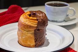 Pan de Dulce Artesanal + Café Americano