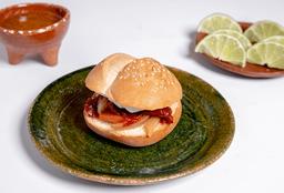 Torta de Pan Amarillo con Chile Pasilla