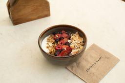Yogurt Natural con Frutos Rojos